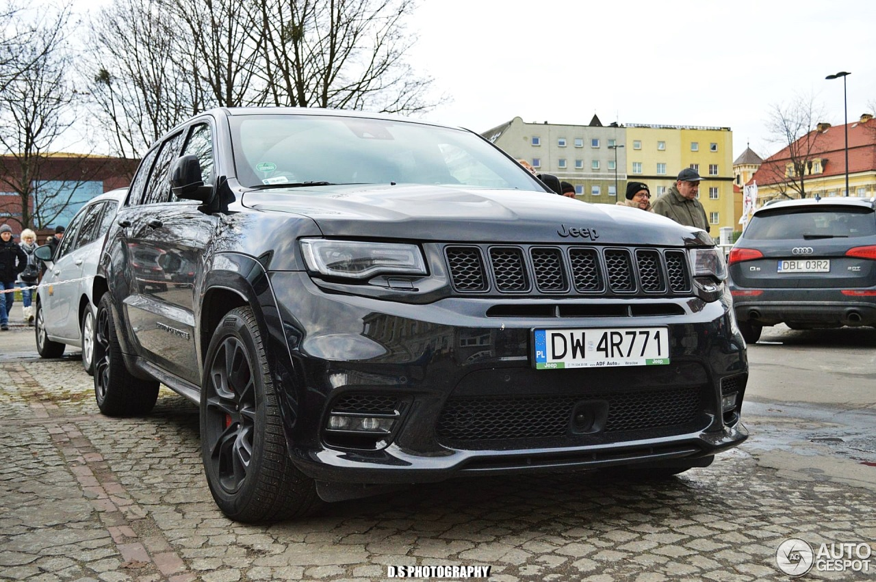 jeep grand cherokee srt 2017 2 january 2018 autogespot. Black Bedroom Furniture Sets. Home Design Ideas