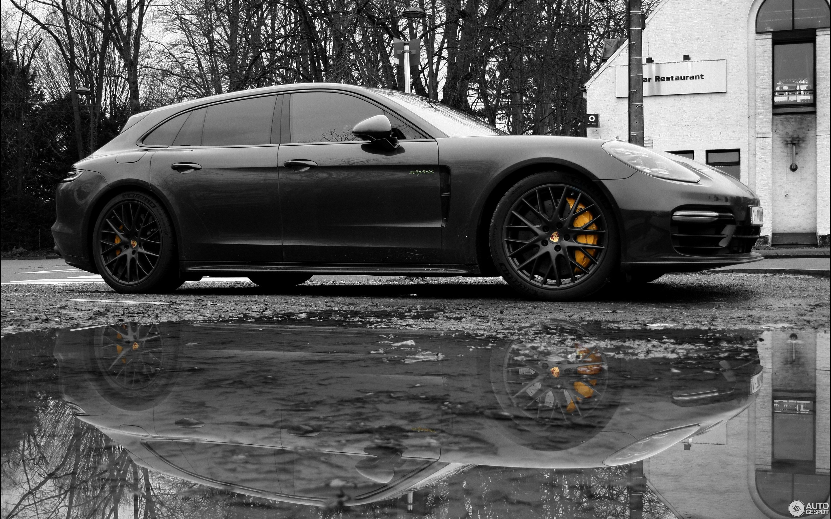 Matt Porsche Panamera Turbo S Supercars Gallery