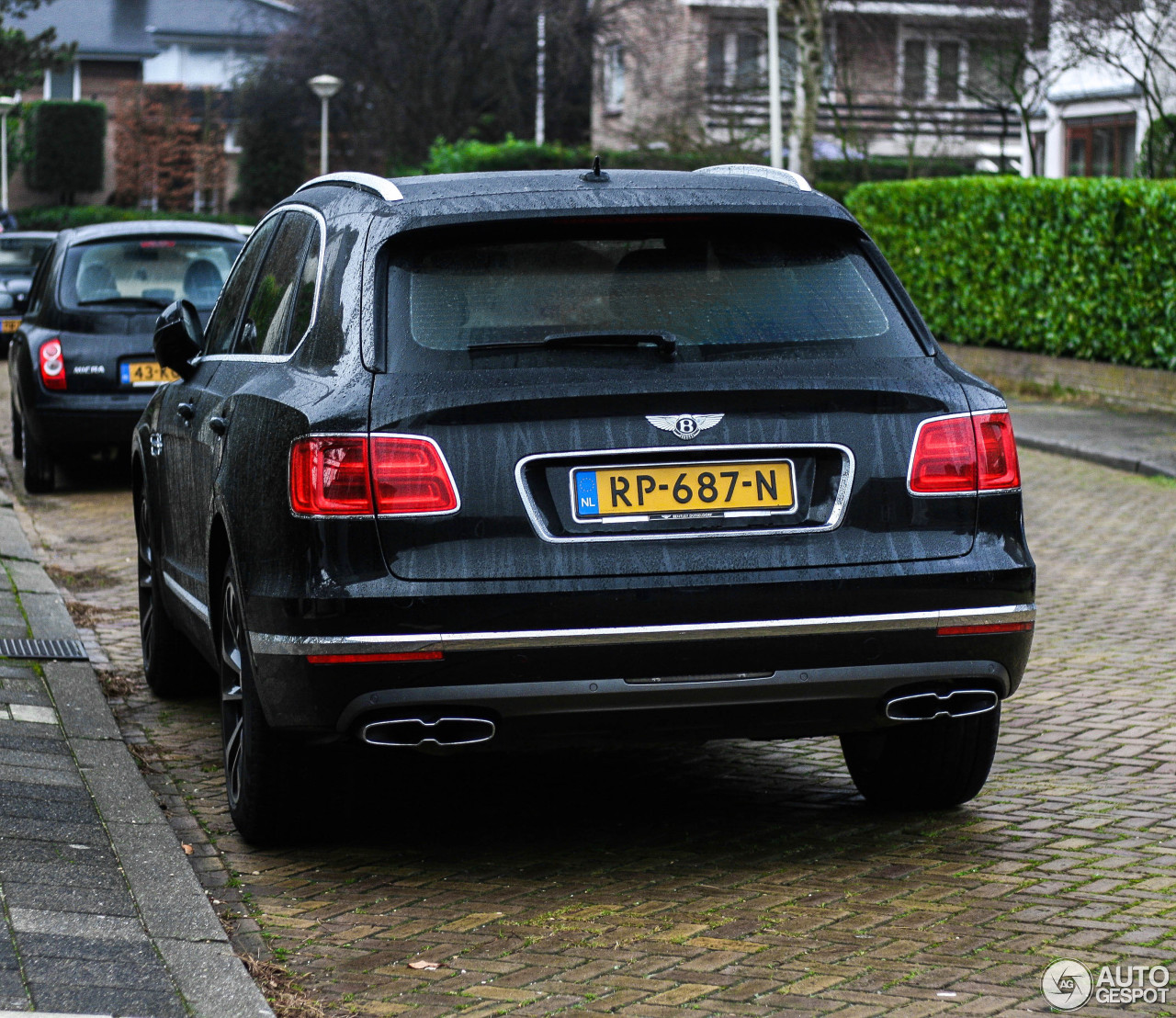 Bentley Bentayga: Bentley Bentayga Diesel