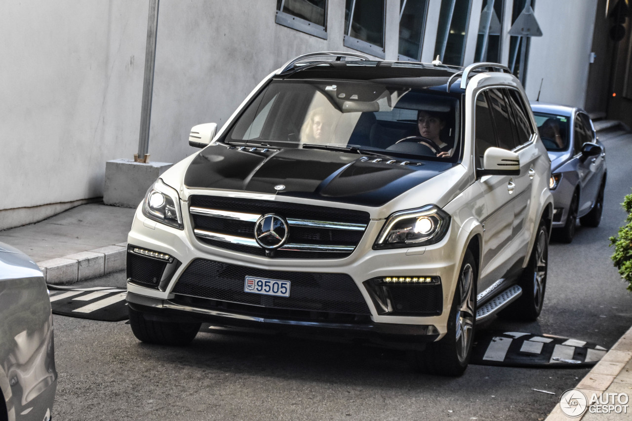 Mercedes benz gl 63 amg x166 7 january 2018 autogespot for Mercedes benz gl 63 amg
