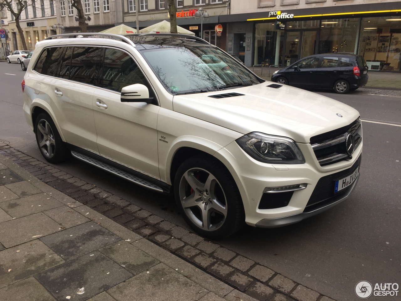 Mercedes benz gl 63 amg x166 9 january 2018 autogespot for Mercedes benz gl 63 amg