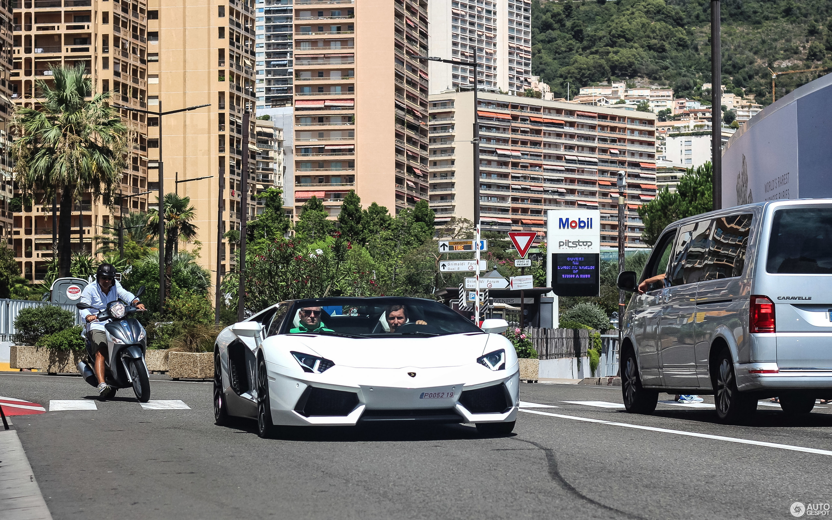 Lamborghini Aventador Lp700 4 Roadster 9 January 2018 Autogespot