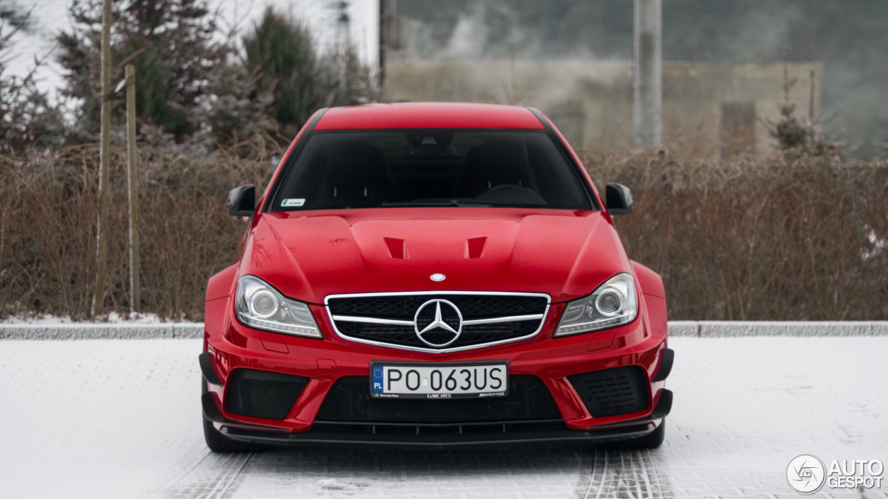 Mercedes benz c 63 amg coup black series 13 january for Mercedes benz 3 series