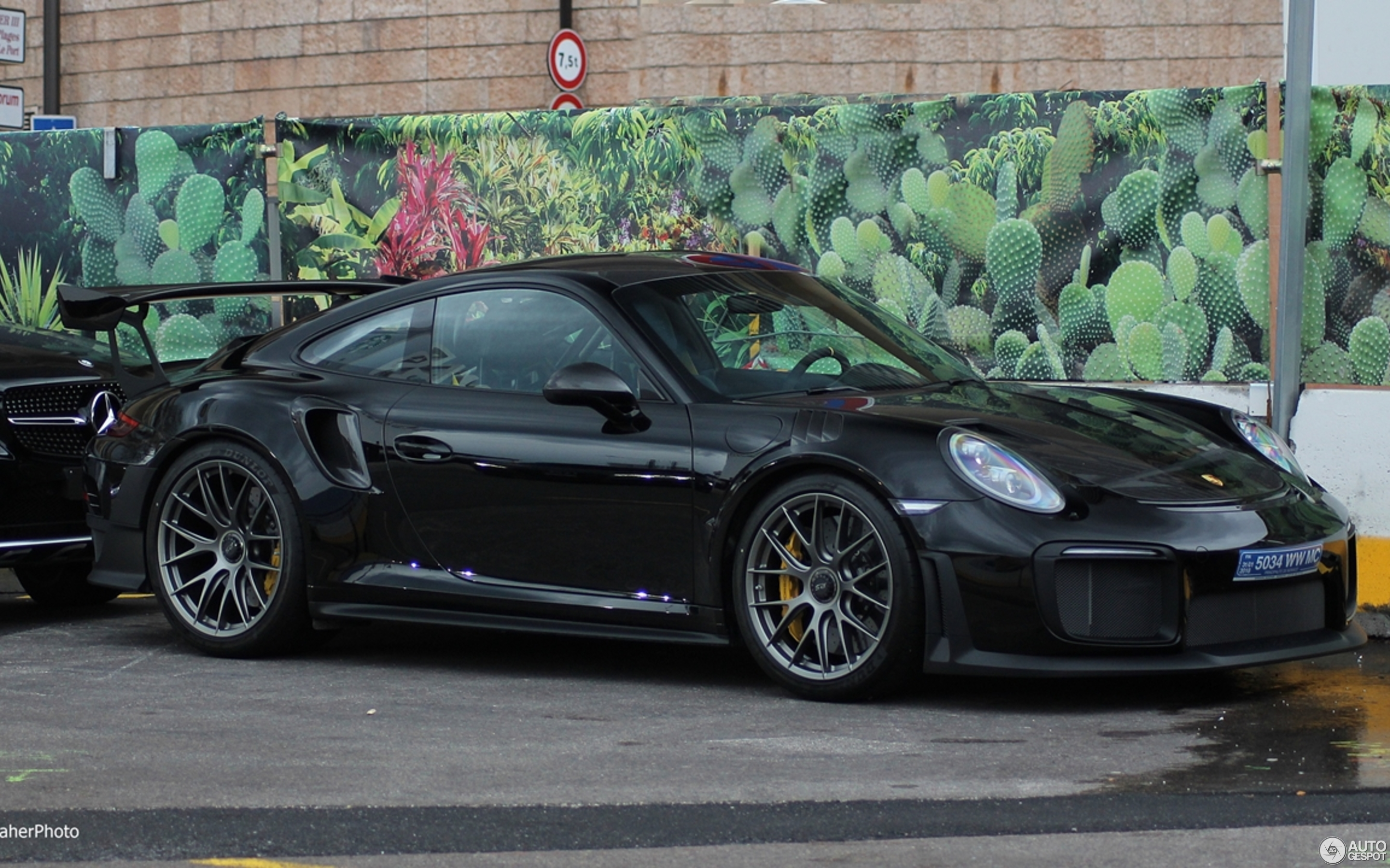 porsche 991 gt2 rs weissach package 14 january 2018. Black Bedroom Furniture Sets. Home Design Ideas