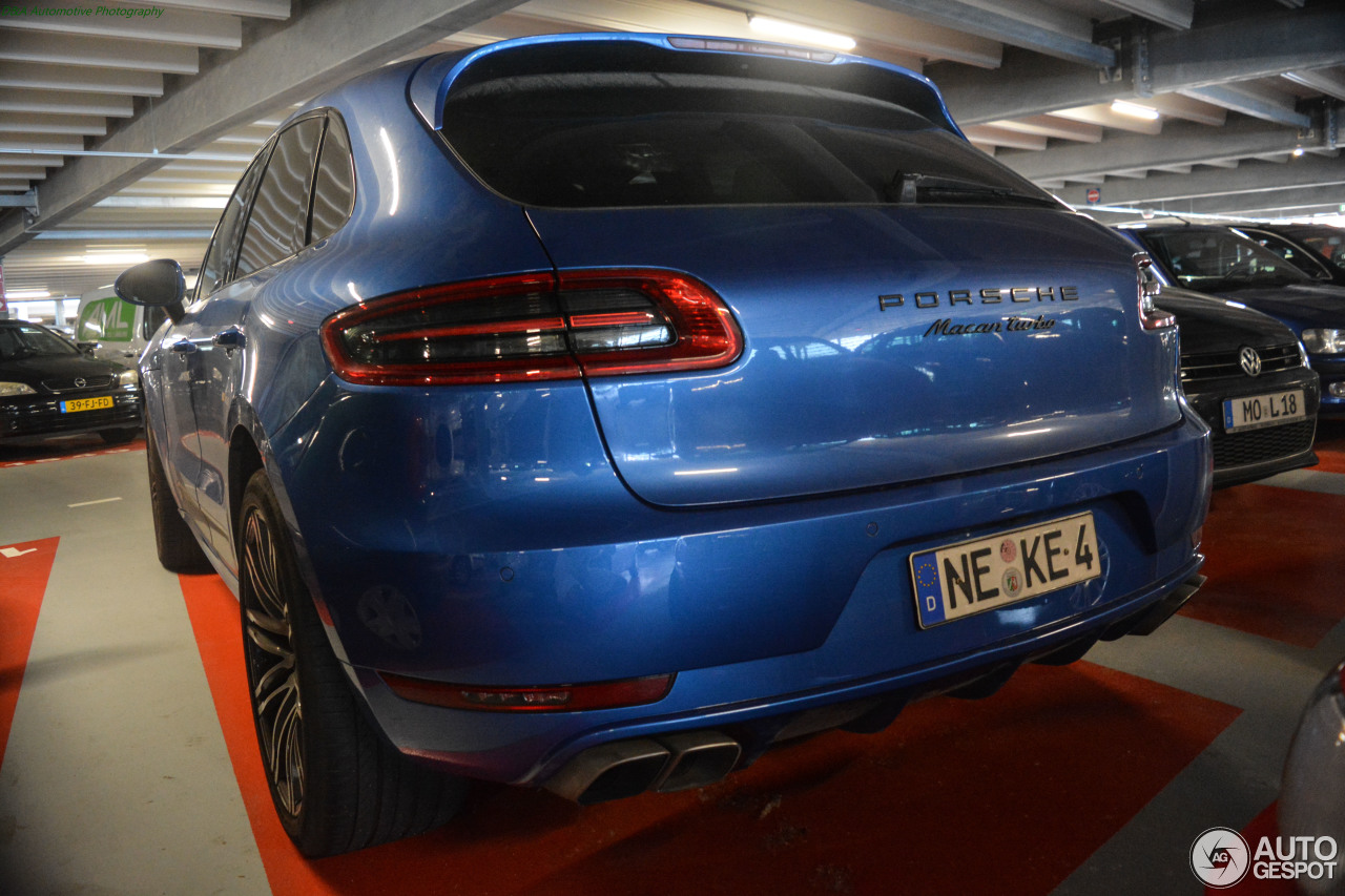 Porsche 95B Macan Turbo - 17 januari 2018 - Autogespot