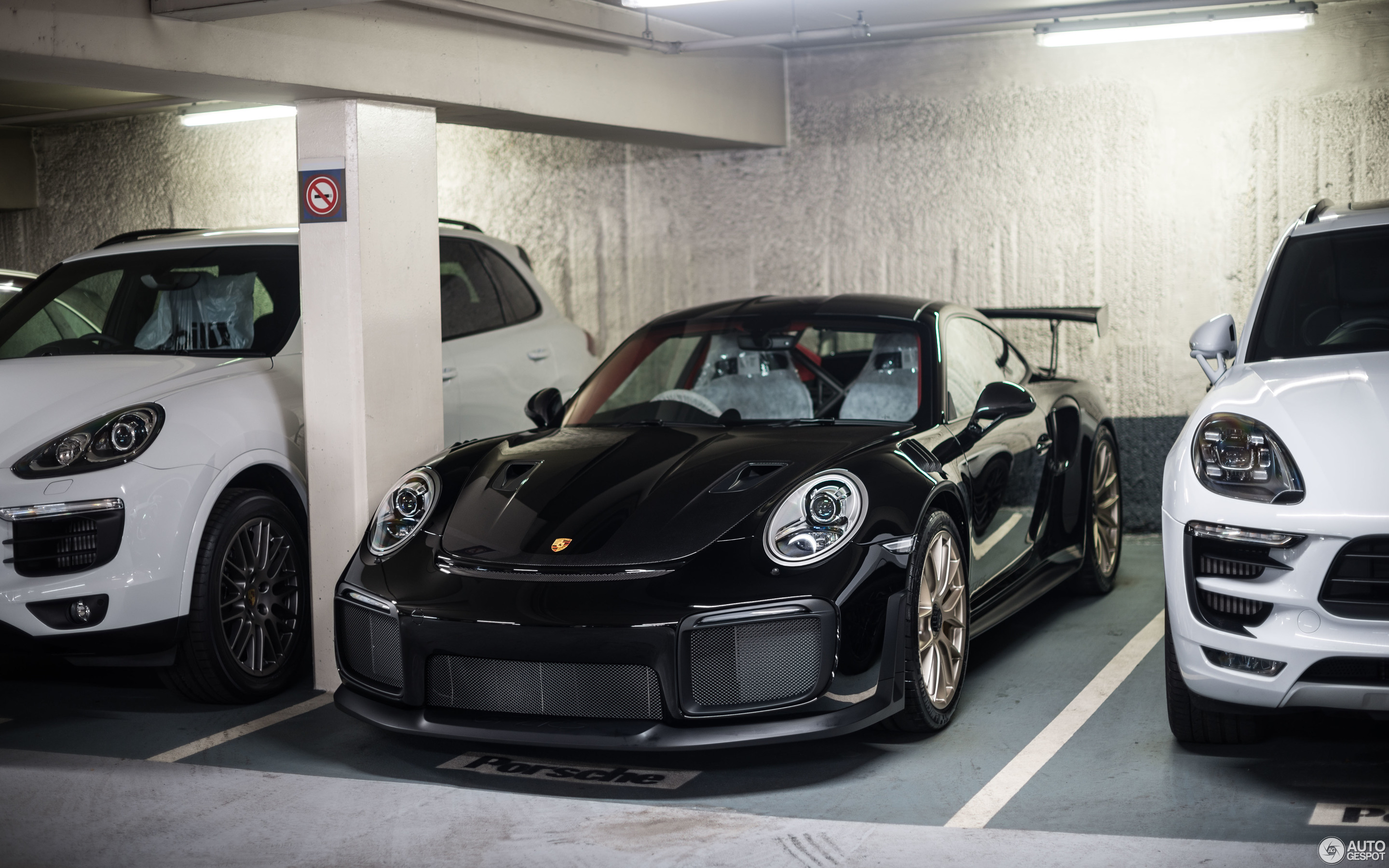 porsche 991 gt2 rs weissach package 27 january 2018 autogespot. Black Bedroom Furniture Sets. Home Design Ideas