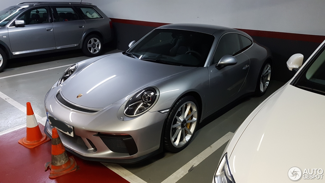 porsche 991 gt3 mkii touring 27 january 2018 autogespot. Black Bedroom Furniture Sets. Home Design Ideas