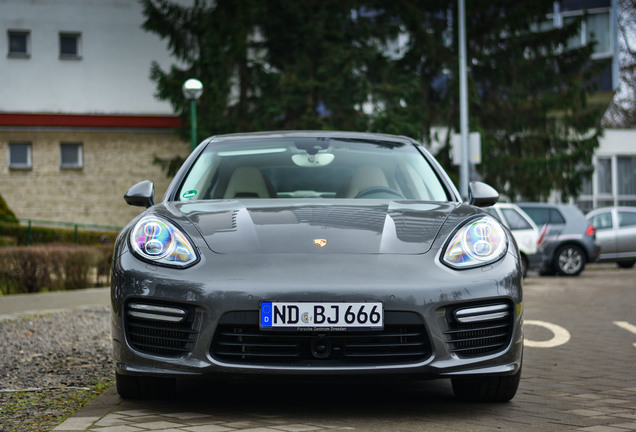Porsche Panamera Turbo S Executive MKII