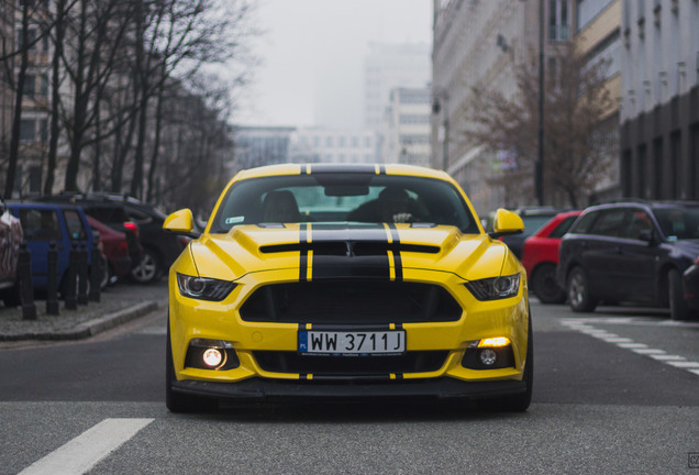 Ford Mustang Roush Stage 2 2015