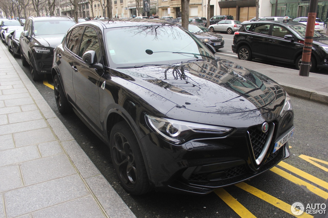 alfa romeo stelvio quadrifoglio 4 fvrier 2018 autogespot. Black Bedroom Furniture Sets. Home Design Ideas