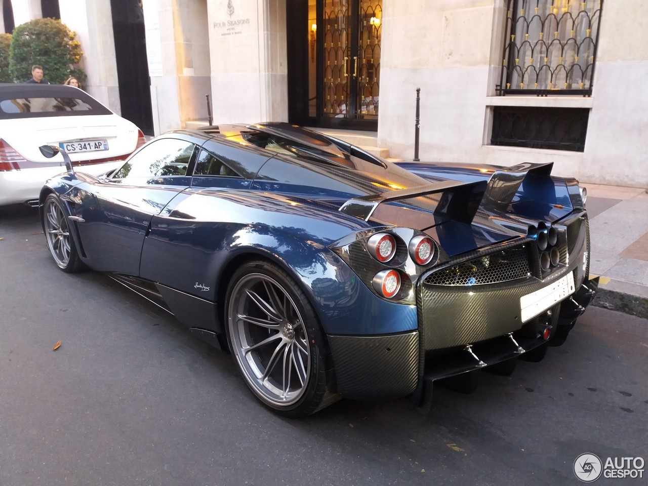 pagani huayra pearl 4 february 2018 autogespot. Black Bedroom Furniture Sets. Home Design Ideas