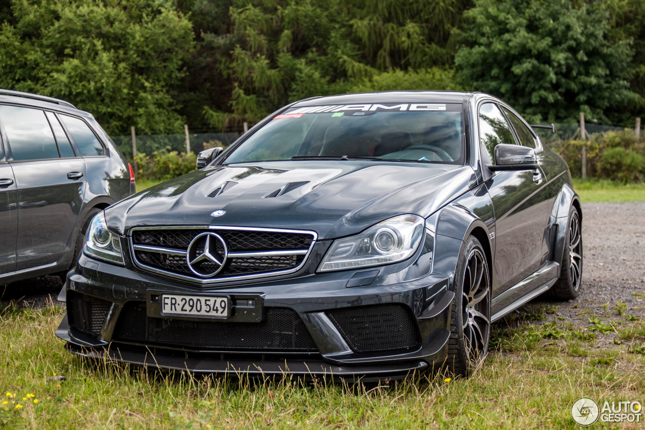 Mercedes benz c 63 amg coup black series 11 luty 2018 for C series mercedes benz