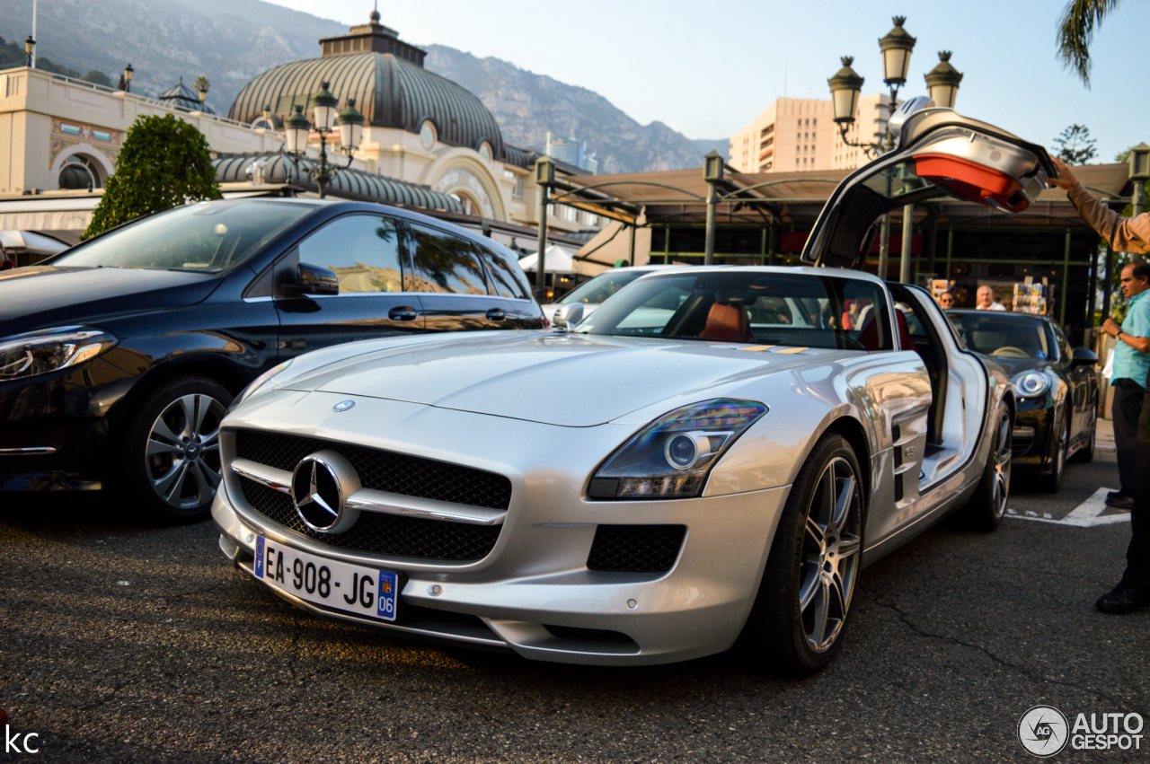 Mercedes benz sls amg 11 februari 2018 autogespot for Silverlit mercedes benz sls amg