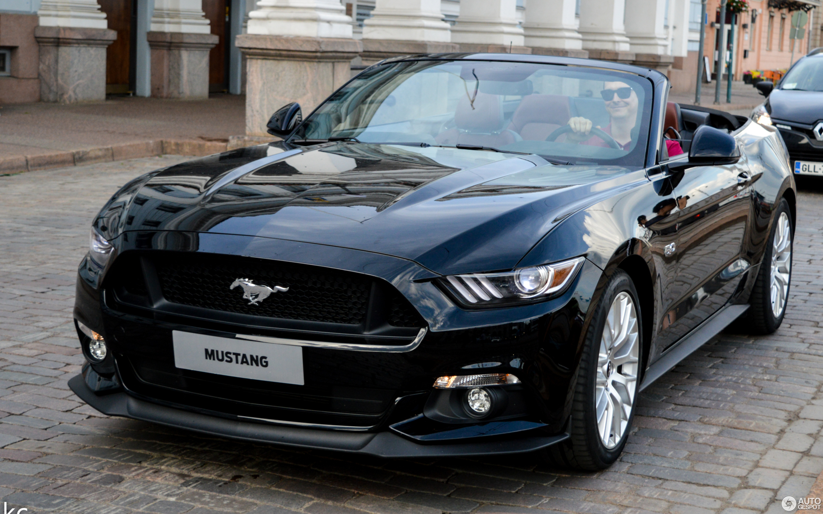 ford mustang gt convertible 2015 15 february 2018. Black Bedroom Furniture Sets. Home Design Ideas