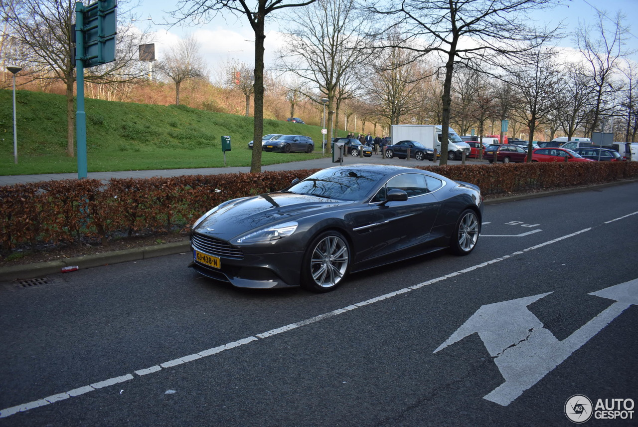 Aston Martin Vanquish 2013 1