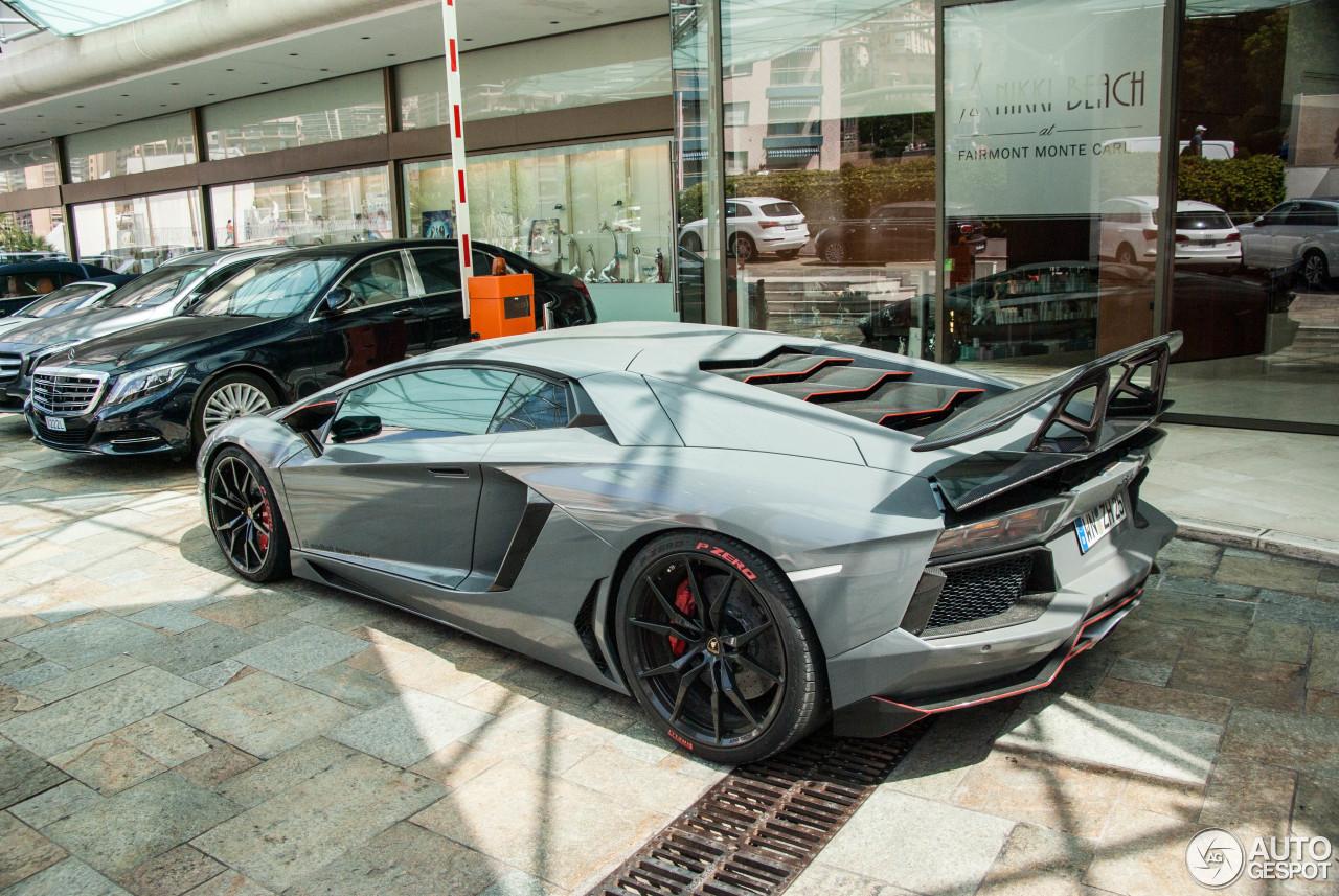Lamborghini Aventador LP700-4 5