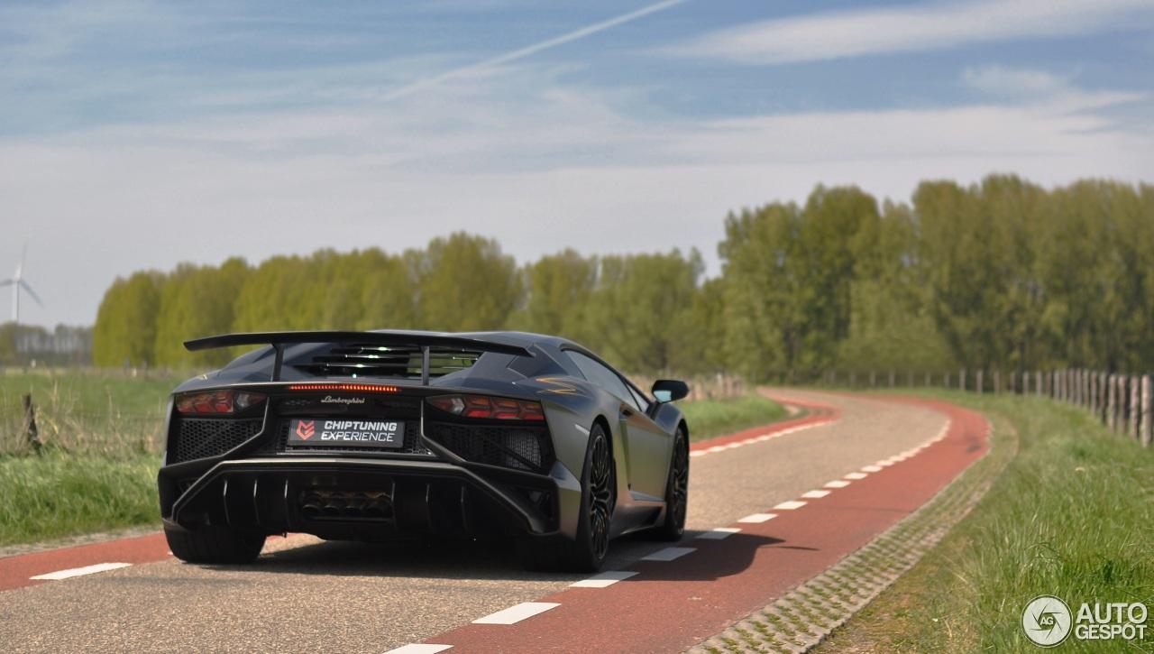 Lamborghini Aventador LP750-4 SuperVeloce 4