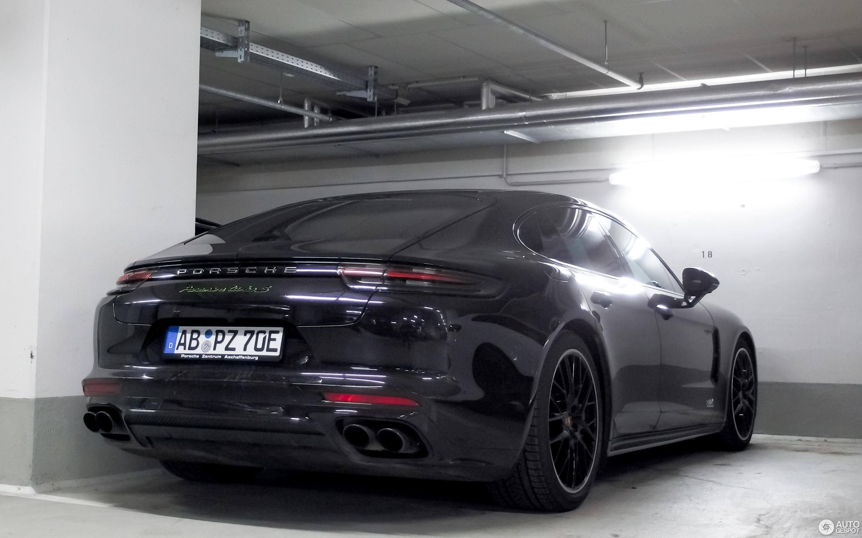 porsche panamera turbo s черный