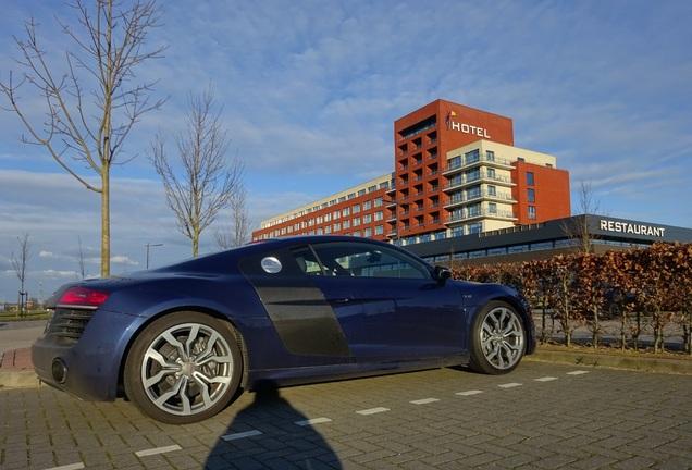 Audi R8 V10 2013