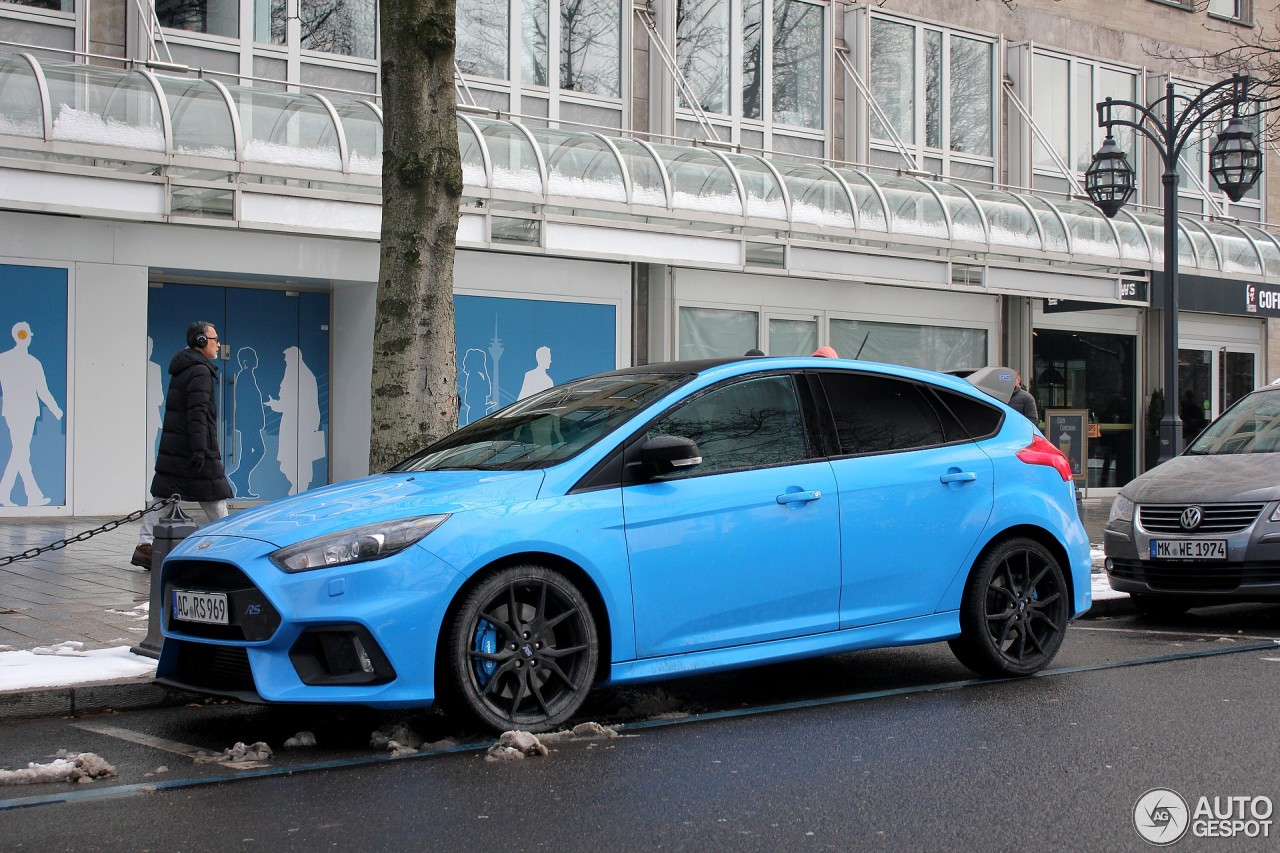 ford focus rs performance limited edition 2018 3 march. Black Bedroom Furniture Sets. Home Design Ideas