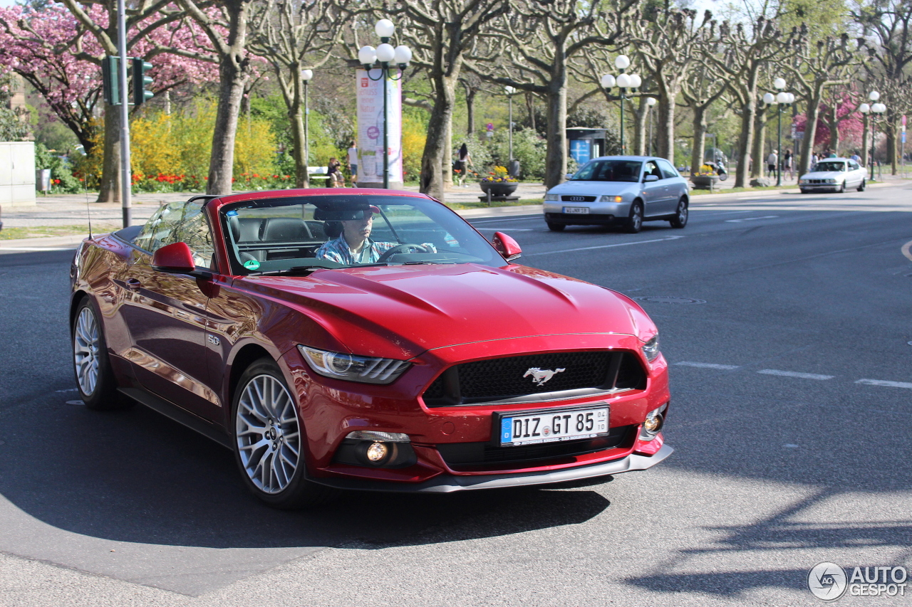 ford mustang gt convertible 2015 4 march 2018 autogespot. Black Bedroom Furniture Sets. Home Design Ideas