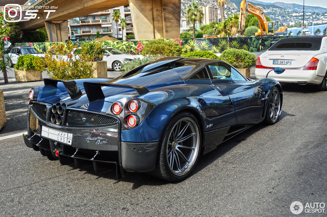 pagani huayra pearl 4 march 2018 autogespot. Black Bedroom Furniture Sets. Home Design Ideas