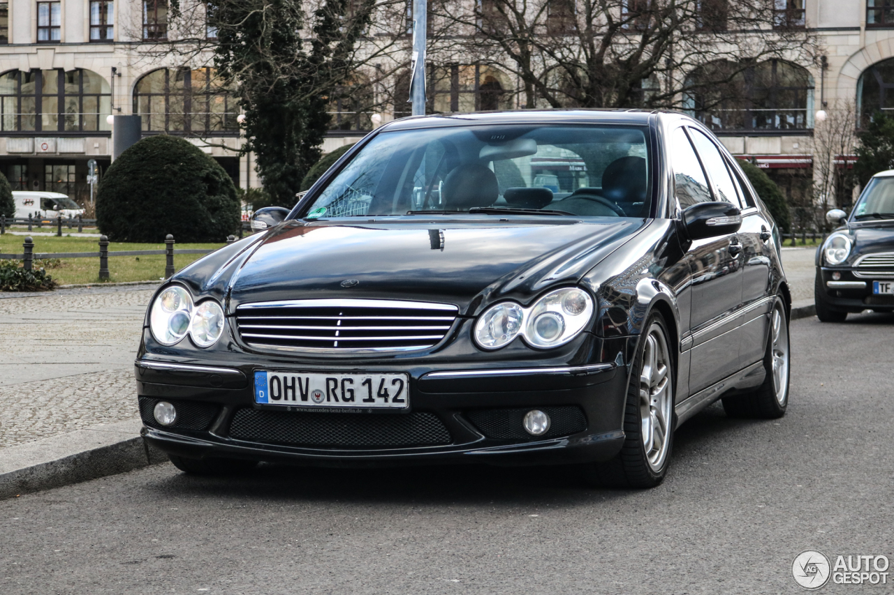 Mercedes benz c 55 amg 5 march 2018 autogespot for All types of mercedes benz cars