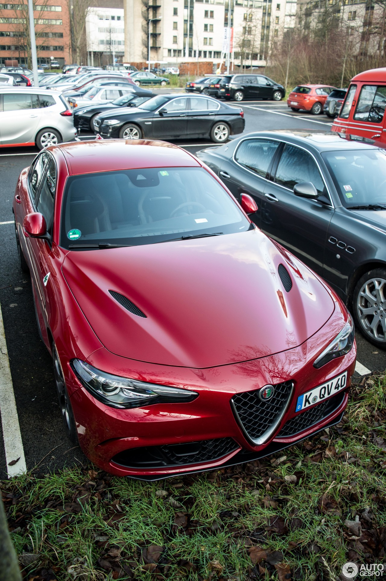 alfa romeo giulia quadrifoglio 6 march 2018 autogespot. Black Bedroom Furniture Sets. Home Design Ideas
