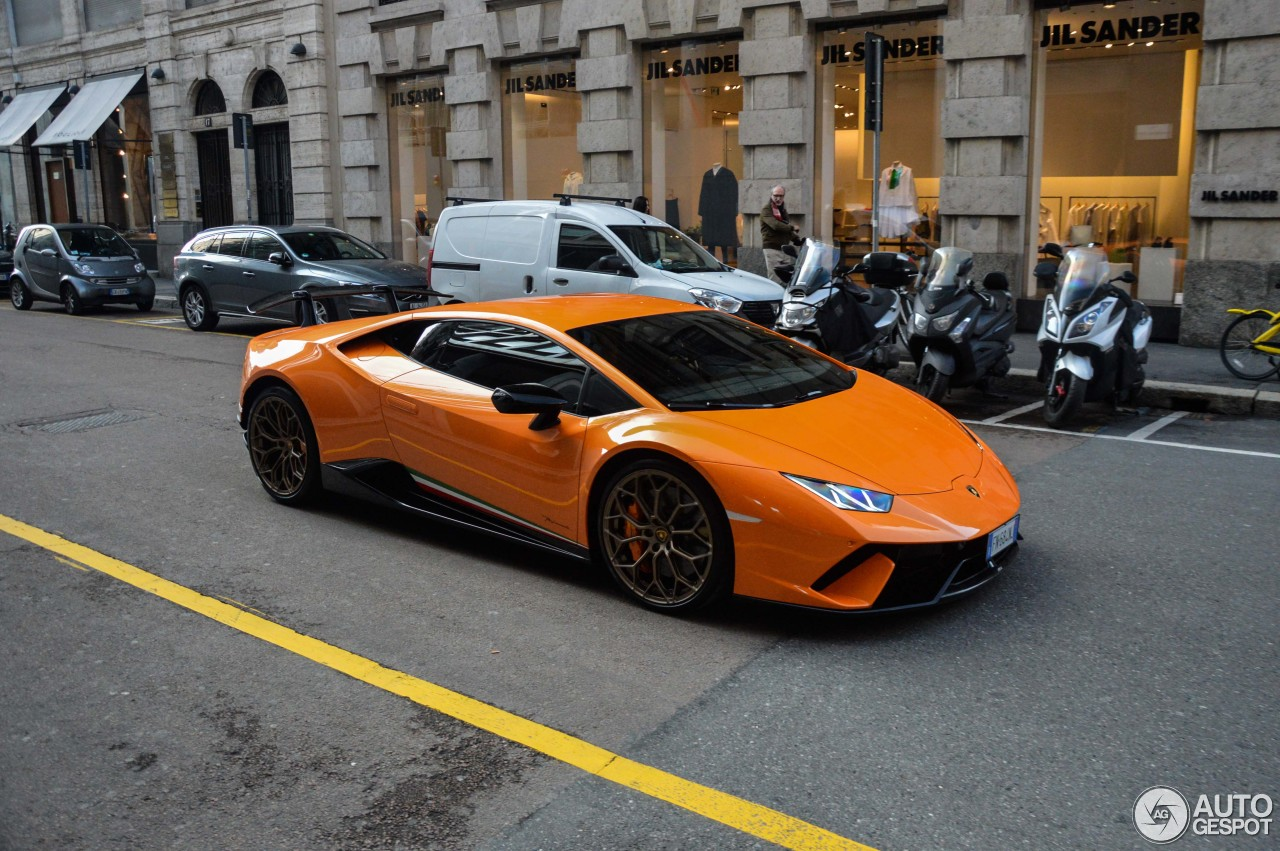 Lamborghini Huracán LP640-4 Performante 5