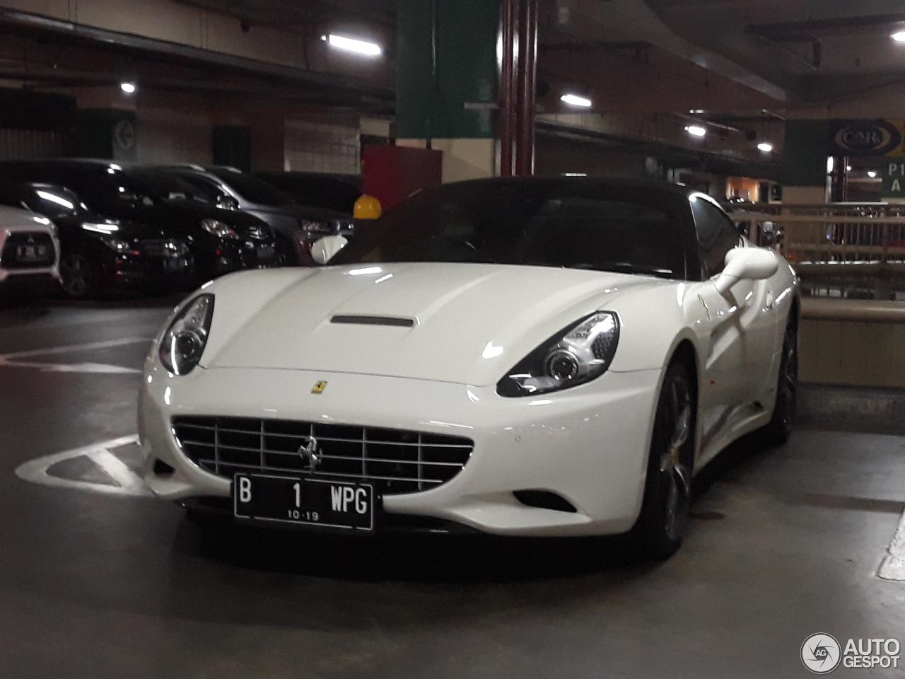 Ferrari California Bi-Colore Special Edition - 18 March ...