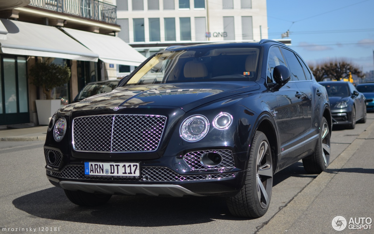 bentley bentayga first edition 19 march 2018 autogespot. Black Bedroom Furniture Sets. Home Design Ideas