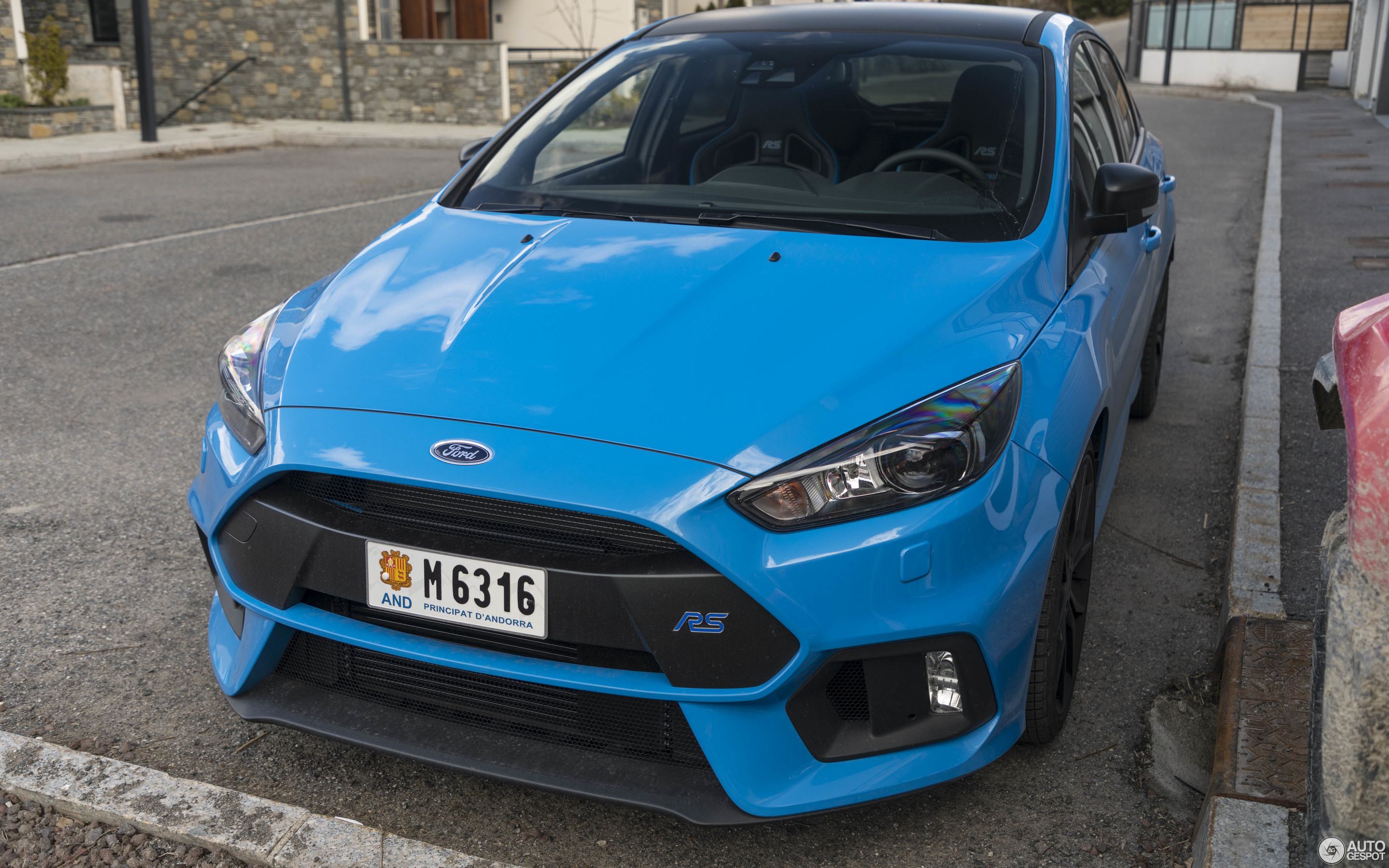 ford focus rs performance limited edition 2018 31 march. Black Bedroom Furniture Sets. Home Design Ideas