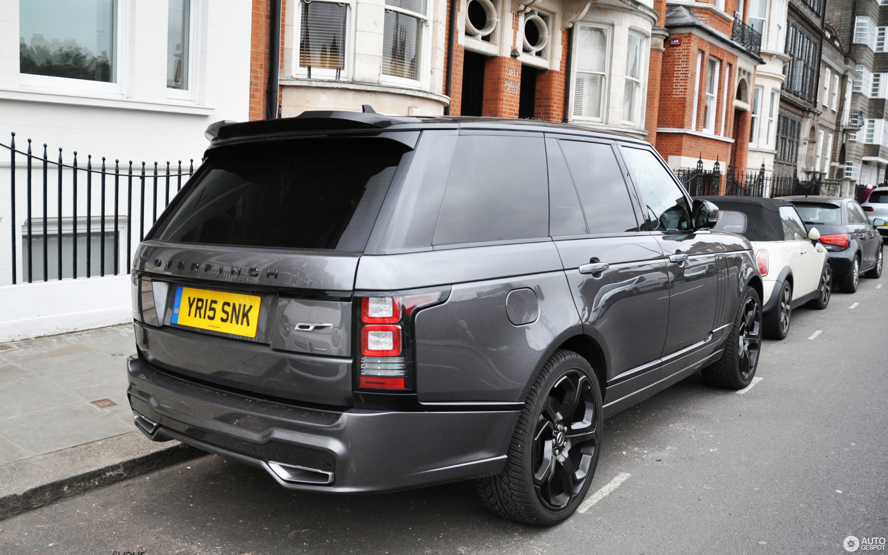 land rover overfinch range rover autobiography 3 april 2018 autogespot. Black Bedroom Furniture Sets. Home Design Ideas