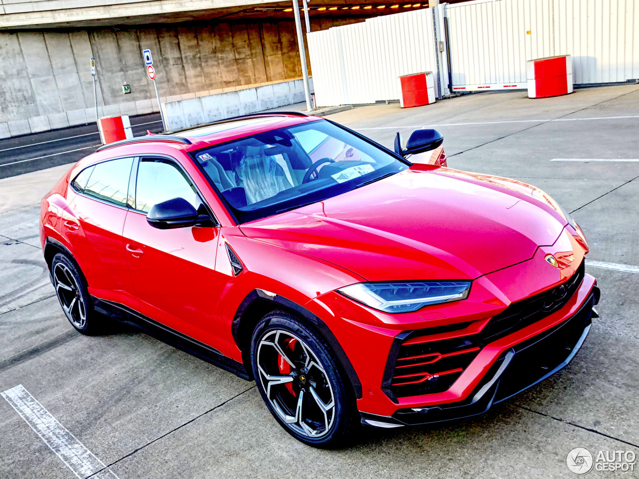 lamborghini urus 5 april 2018 autogespot. Black Bedroom Furniture Sets. Home Design Ideas