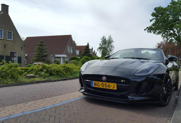 Jaguar F-TYPE R AWD Convertible