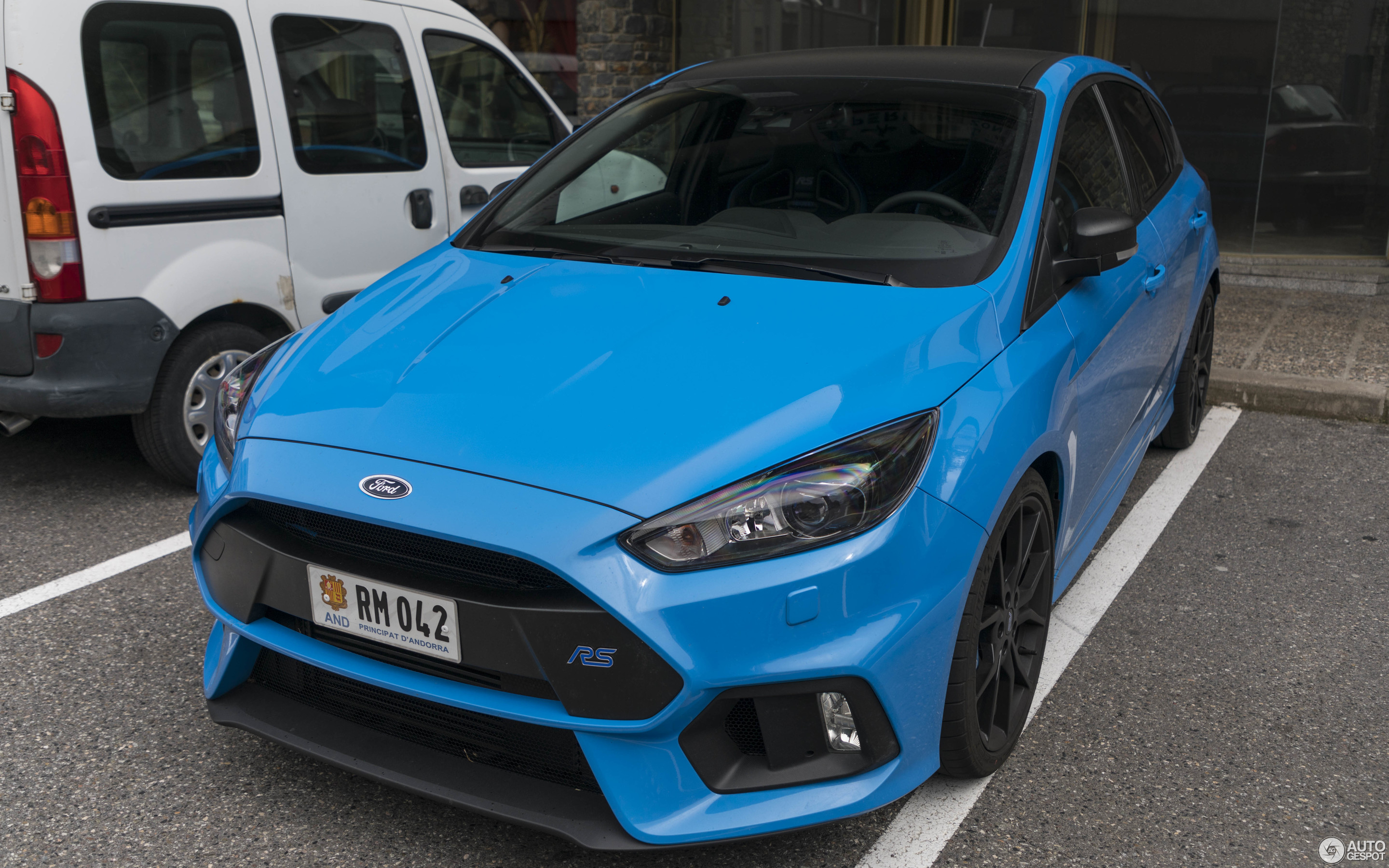ford focus rs performance limited edition 2018 17 may. Black Bedroom Furniture Sets. Home Design Ideas