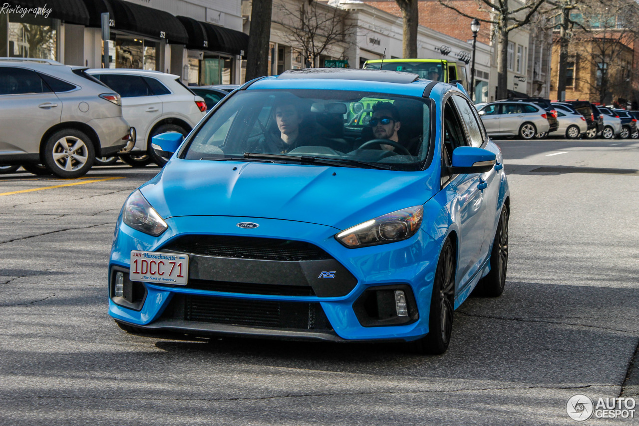ford focus rs 2015 22 may 2018 autogespot. Black Bedroom Furniture Sets. Home Design Ideas
