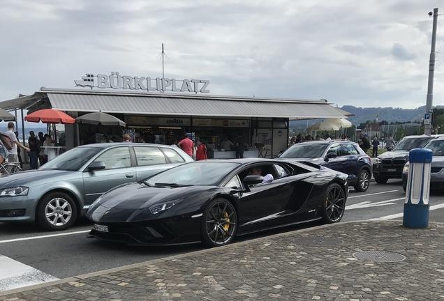 Lamborghini Aventador S LP740-4