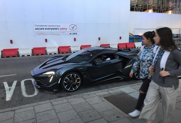 W-Motors Fenyr SuperSport