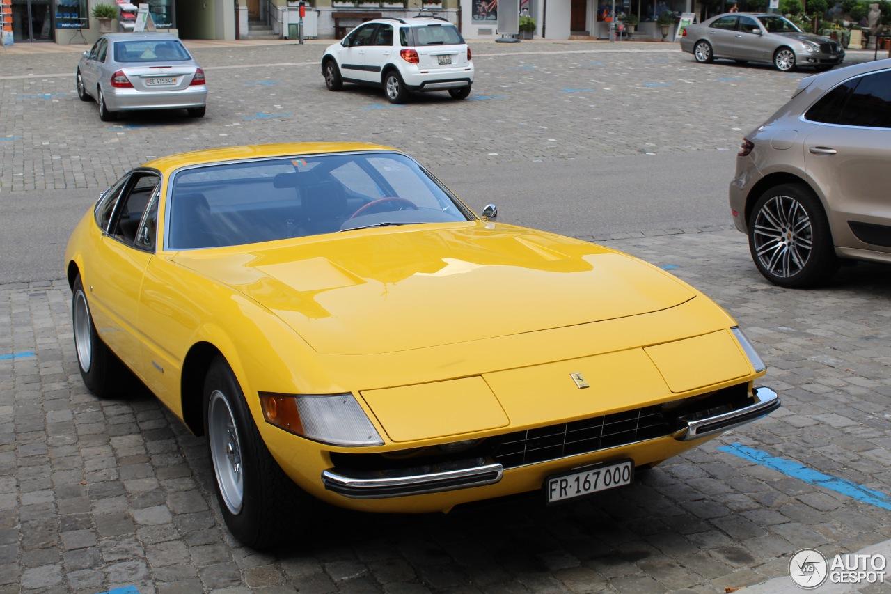 Ferrari 365 GTB/4 Daytona