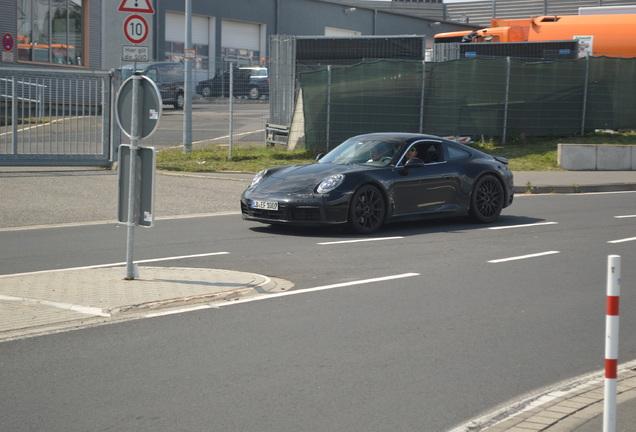 Porsche 992 Carrera 4 GTS