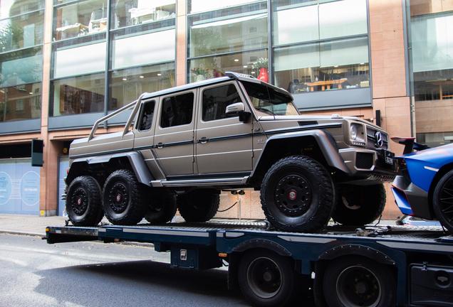 Mercedes-BenzG 63 AMG 6x6