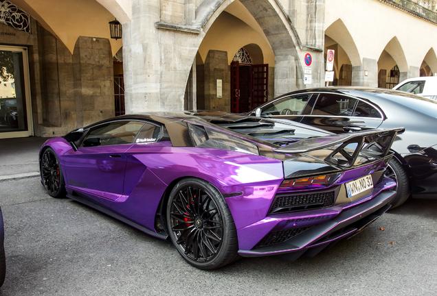 Lamborghini Aventador S LP740-4 DMC