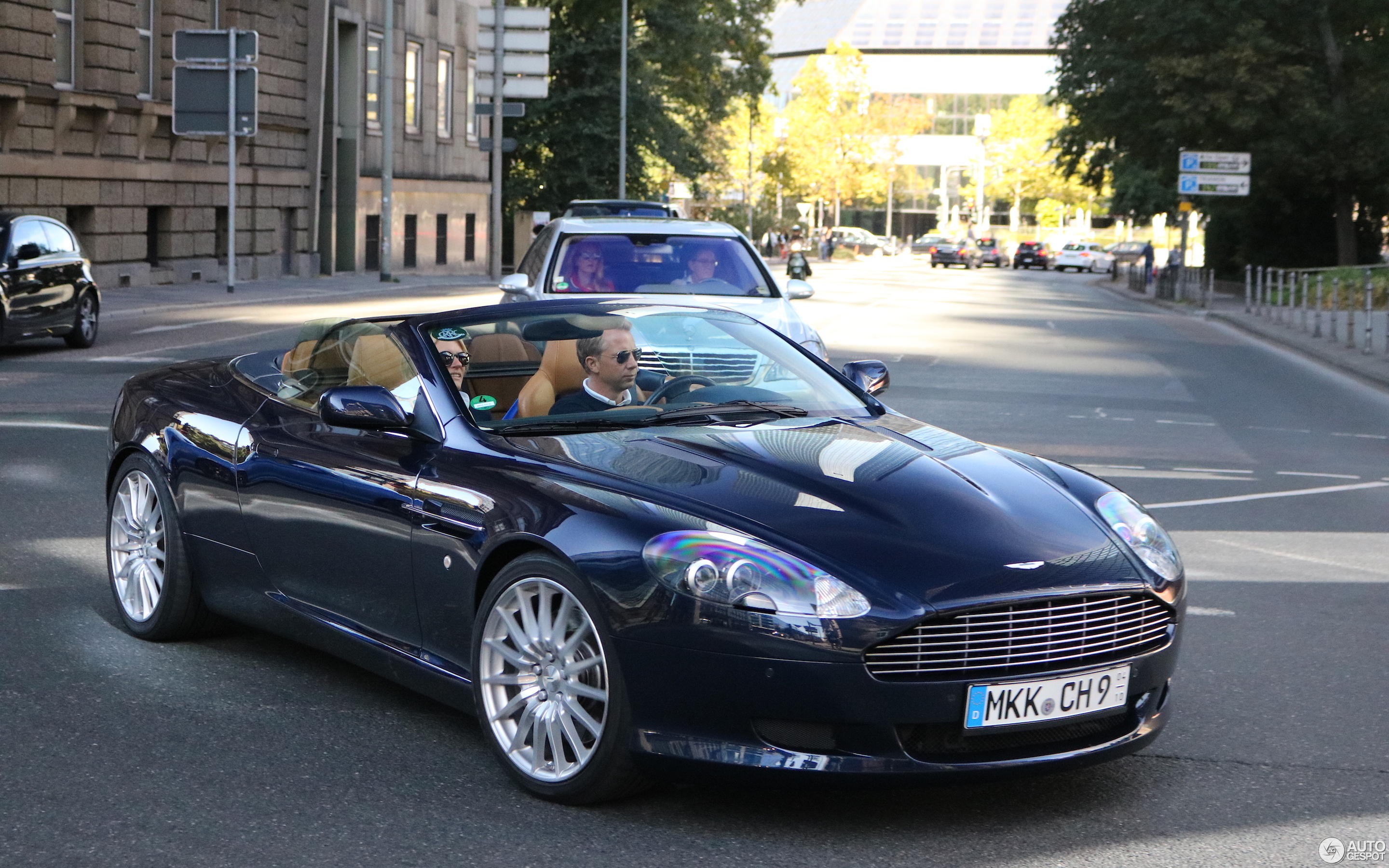 Aston Martin DB Volante September Autogespot - 2018 aston martin db9