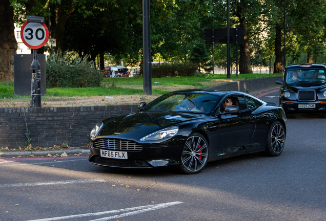 Aston Martin DB9 2015 Carbon Black Edition