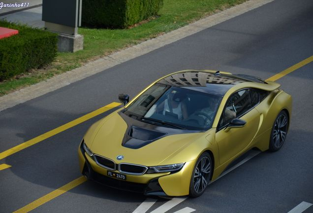 BMW i8 Protonic Frozen Yellow Edition