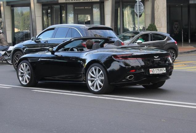 Aston Martin DB11 Volante V8