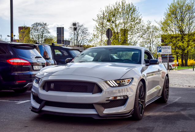 Ford Mustang Shelby GT 350 2015