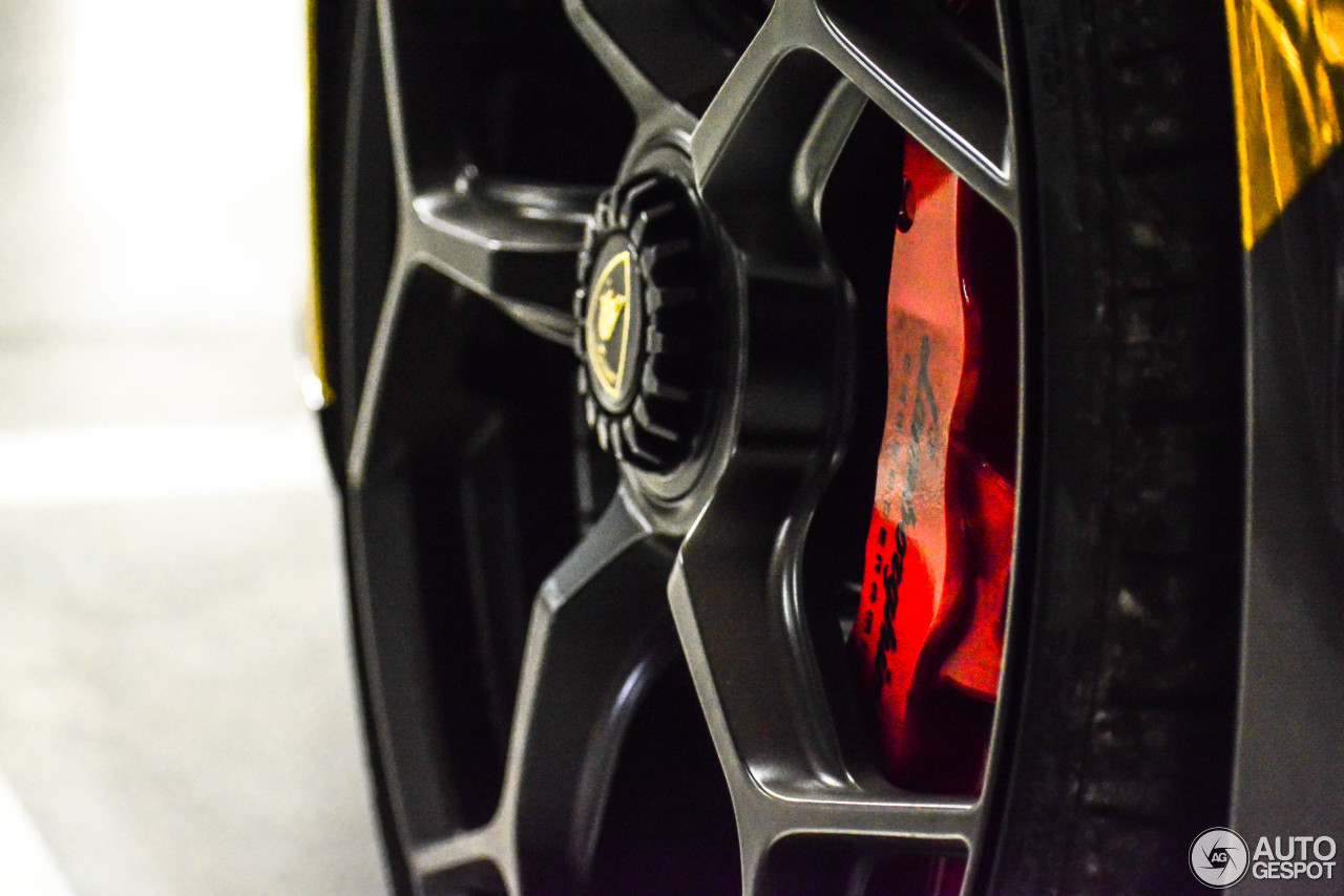 Lamborghini Huracán LP640-4 Performante Spyder