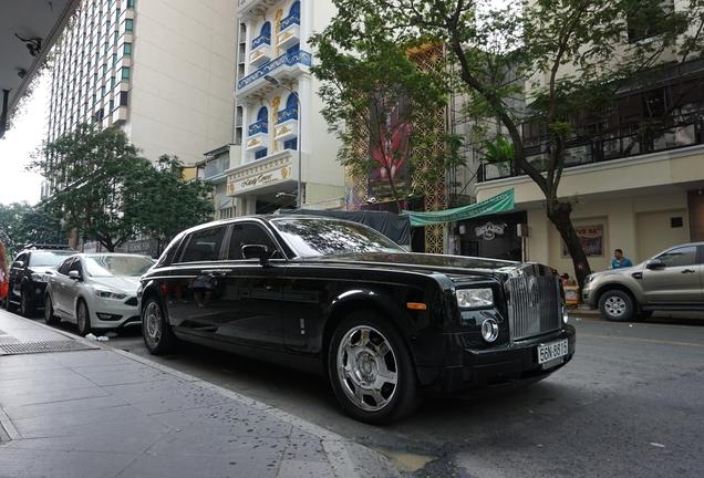 Rolls-Royce Phantom EWB